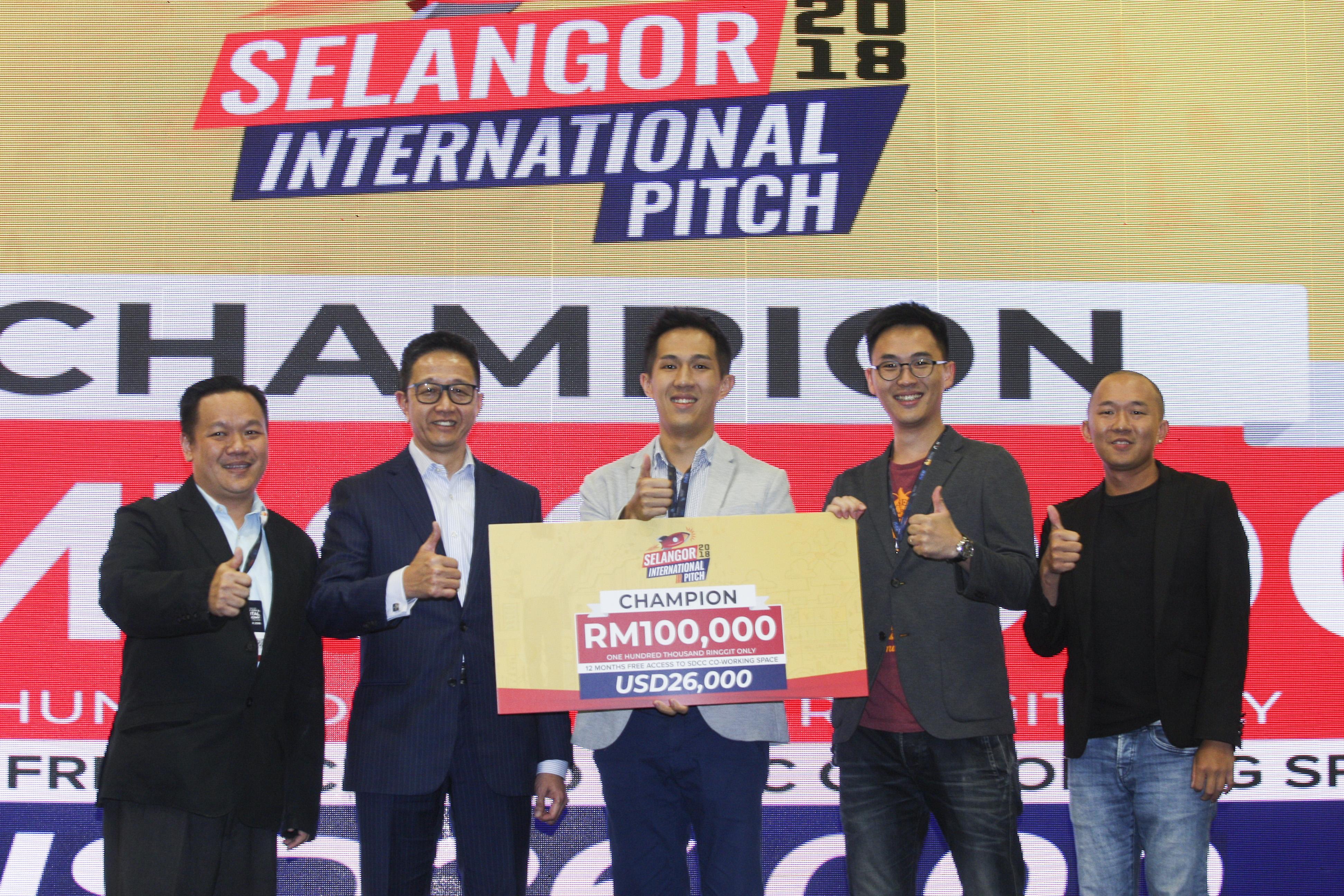 Hahow 好學校獲得評審青睞,拿下 2018 馬來西亞智慧城市展創業競賽冠軍(圖/Hahow)