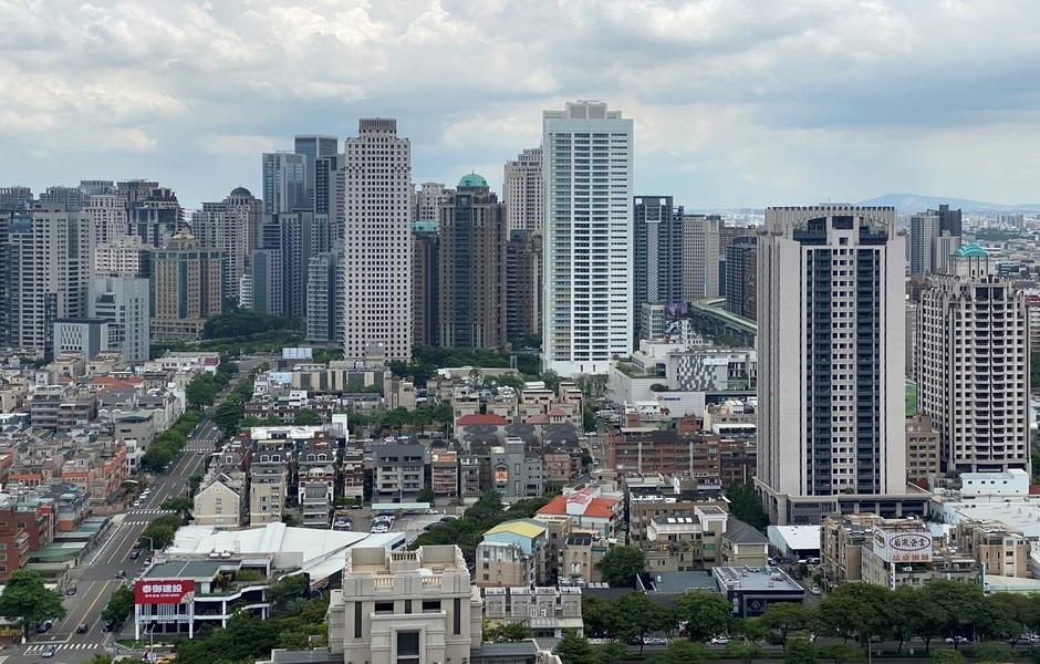 台灣大道沿線的東區、西區、西屯區房價至少3字頭起跳。(圖/富比士地產王提供)