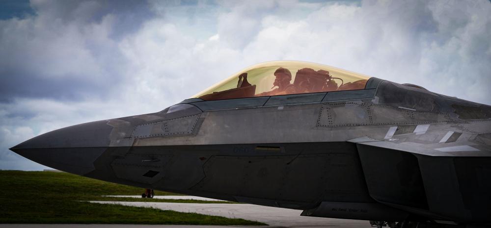 移防關島安德森空軍基地的美軍F-22戰機。(PACAF官方推特)