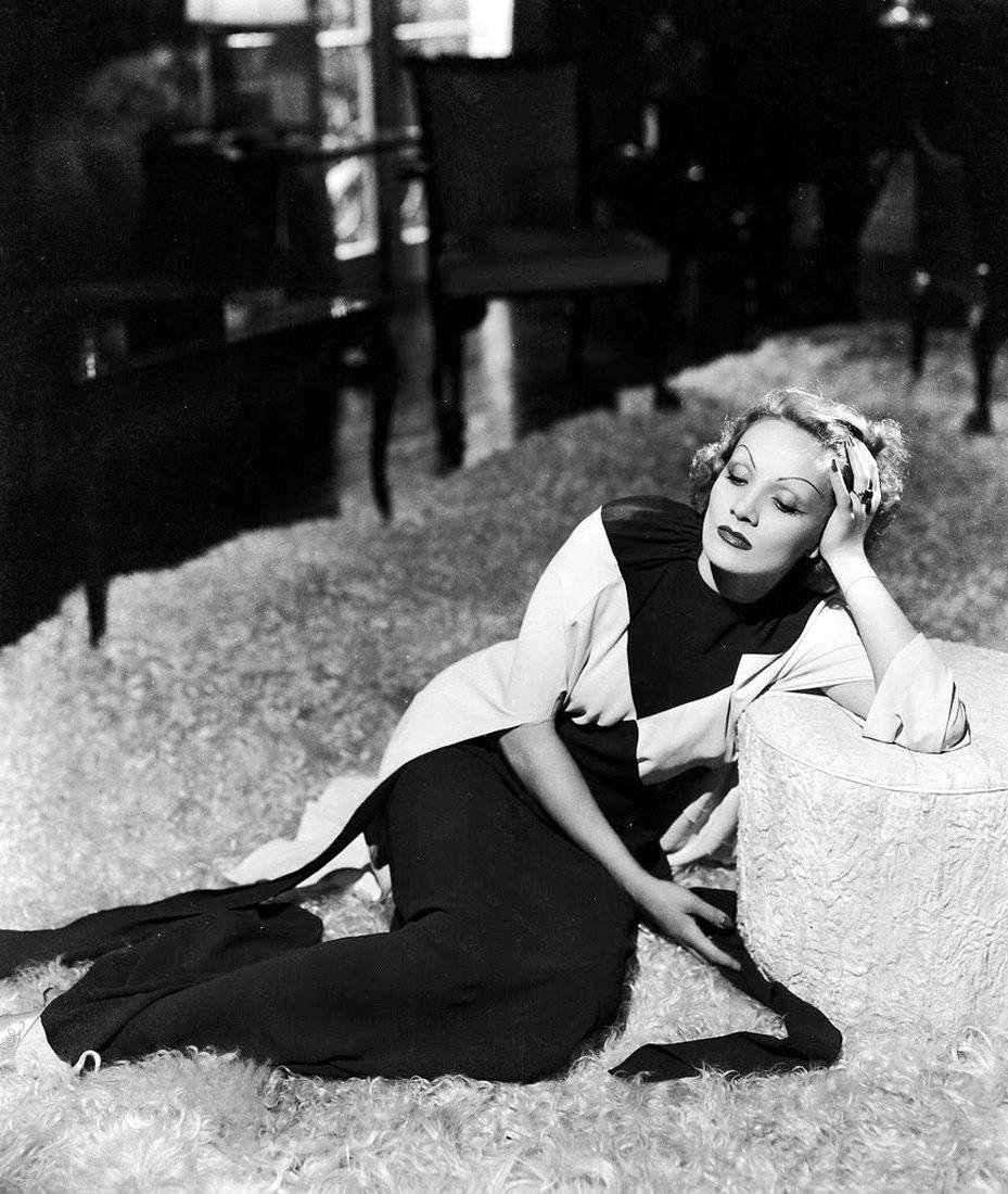上世紀初,女星穿褲裝竟被法國警察請出巴黎⋯女褲的演進就是一部時尚女權史