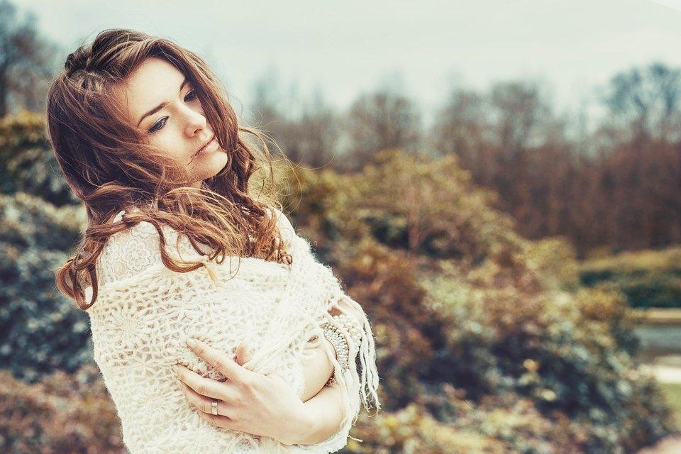 為何法國女人如此迷人?比起整形複製人,這4個生活原則讓她們魅力無可取代