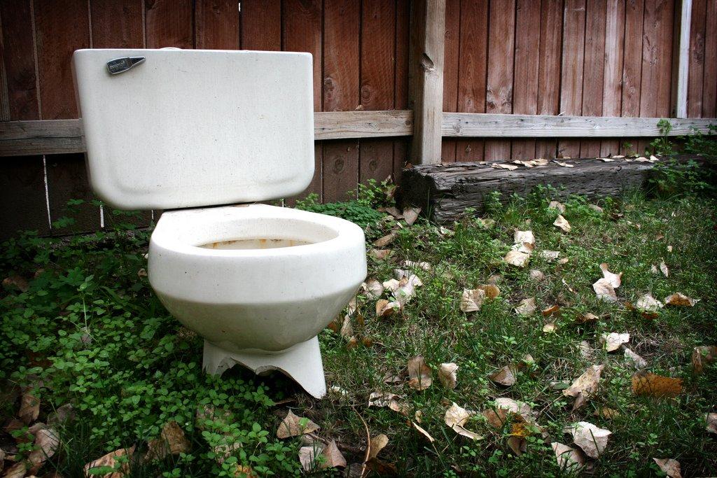 把廁所掃乾淨有多重要?出身靈媒世家的她提醒,「看不到的朋友」其實超介意…