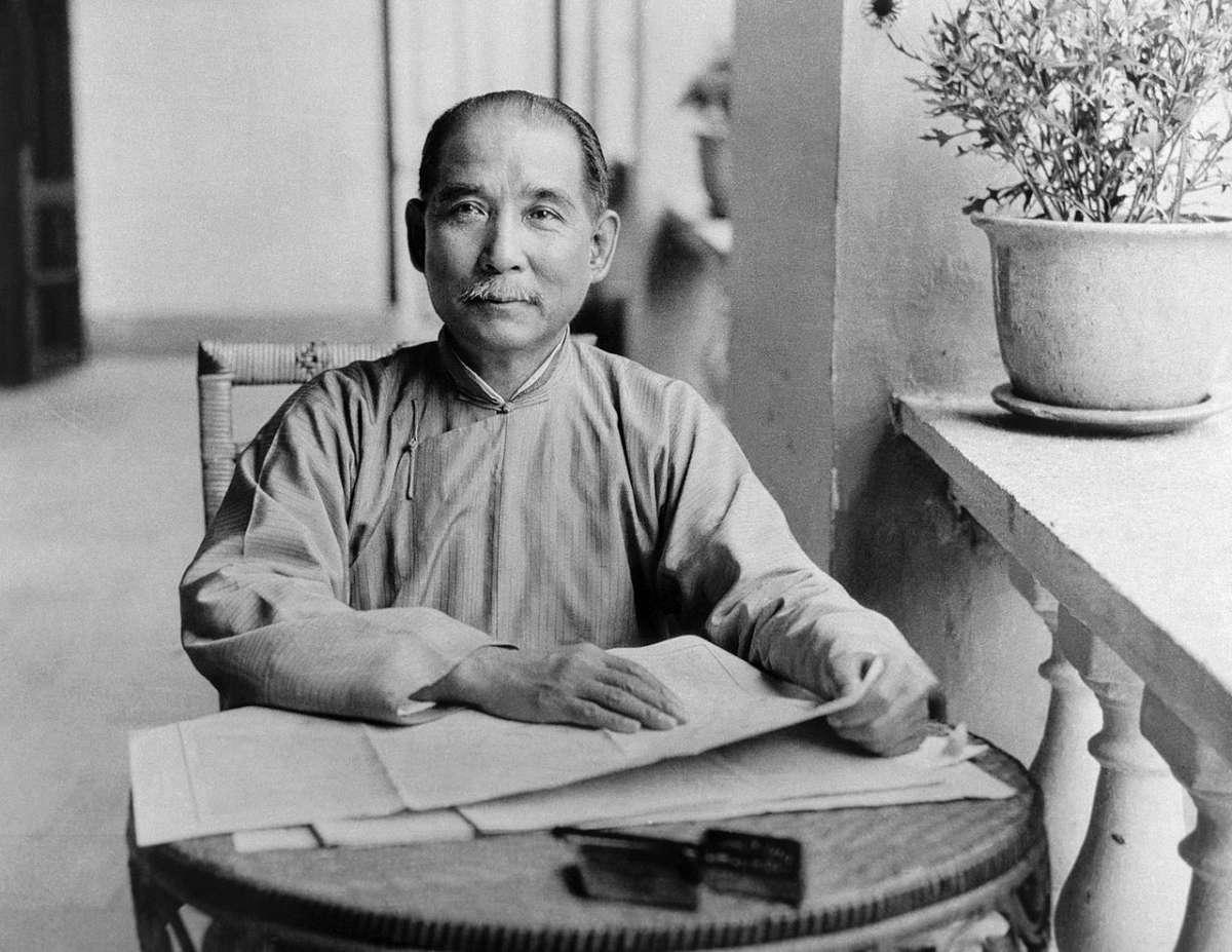 日本學者怎麼看「中華民國」歷史?失敗後退居台灣、統治當地人,在人類史上超罕見