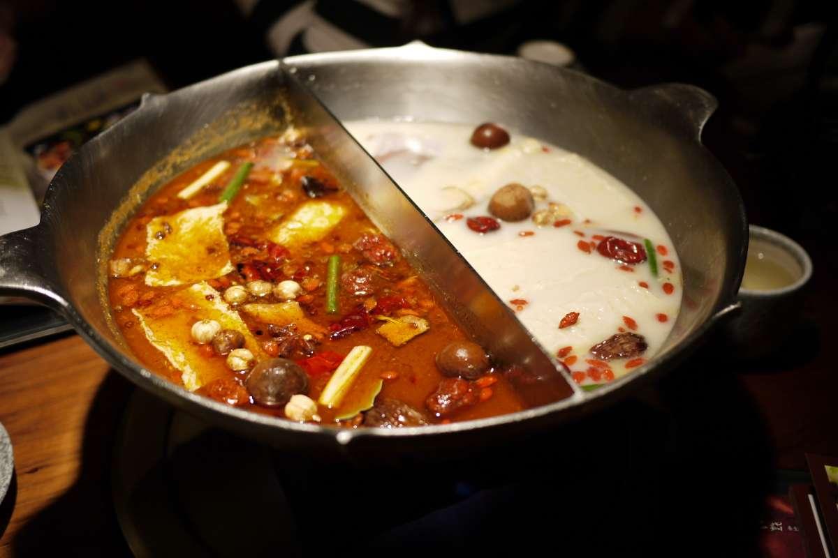 一年吃掉30億顆魚餃!台灣人到底多愛吃火鍋?這些統計說出來超驚人…
