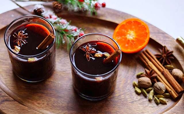 歐美聖誕必喝的「女巫湯」到底是什麼?古老食譜揭密!這紅褐汁液竟是款千年歷史的春藥…
