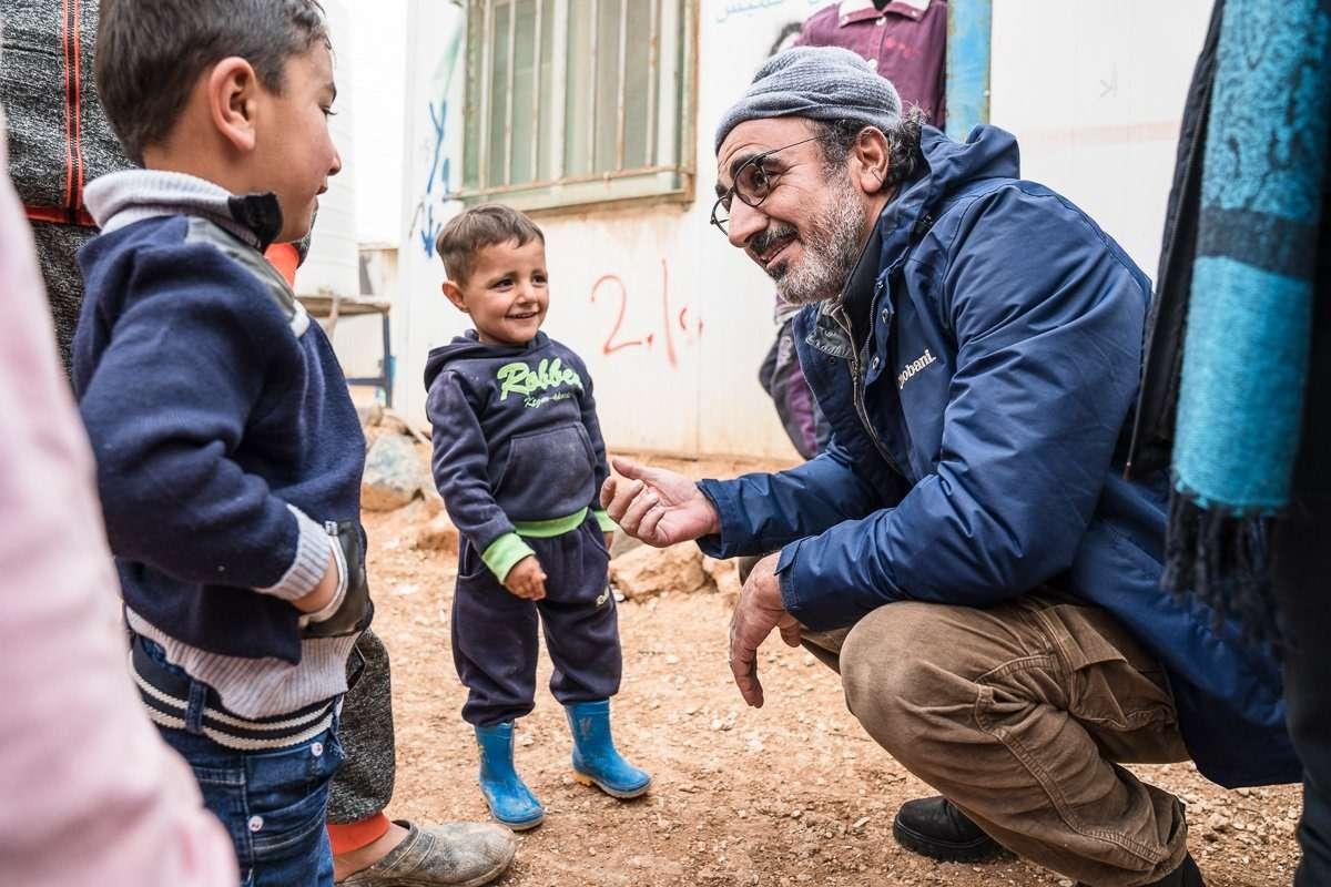 五年營收十億,成長速度比臉書還快!窮苦難民如何化身食品界賈伯斯,靠家鄉味建立優格帝國