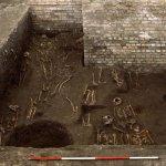 劍橋大學出土中世紀墓園 驚見1300具埋骨