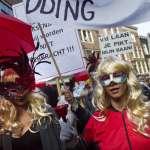 搶救紅燈區櫥窗 荷蘭性工作者上街抗爭