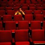 一個人看電影很淒涼?其實你怕的不是孤獨而是...