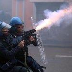 米蘭世博會暴動中開幕 商店被砸、汽車被燒、市區淪為戰場