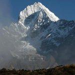 尼泊爾強震後 聖母峰「矮」了近3公分
