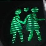 小綠人要被拆散了!民眾要同志紅綠燈放閃一萬年,政府卻決定拆光光