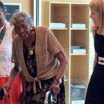 等了73年的借書證 93歲非裔婦人得償宿願