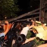 凌晨再攻入教育部 反課綱學生受傷濺血