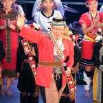 歡慶「原住民族日」柯文哲當合音天使又唱又跳「A mo be be」