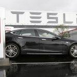 Tesla電動車程式漏洞 駭客可遠端綁架