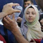 難民潮:希臘離島陷入「全面混亂」