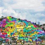 藝術家將貧民區房屋漆上色彩,卻帶來神奇效果,居民生活都改善了!