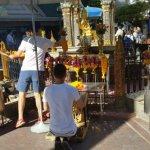 曼谷爆炸:四面佛重新開放予遊客參拜