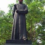 連戰北京看閱兵連累祖父?連雅堂銅像又遭噴漆
