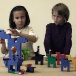 知名美術館與樂高合作,用一個方法讓視障兒童「看」世界名畫