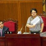 批柯「欺瞞議會、欺騙市民」 議長吳碧珠宣布散會