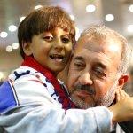 遭邪惡記者絆倒 難民爸爸喜獲西班牙足球教練新職