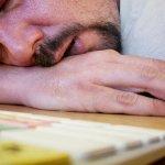 慣老闆該知道的事!在上班時間偷睡覺的人才是好員工