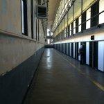 獄滿為患?刑罰過重?美國將提前釋放6千名囚犯