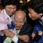 南北韓離散家屬會晤「一片淚海」