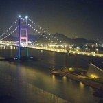 水上作業平台撞斷橋墩 香港青馬橋交通一度癱瘓