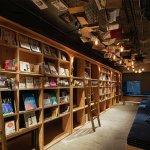 「可以住的書店!」東京住宿新選擇,鑽進書櫃睡個好覺