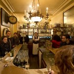 「我在露天咖啡座」「大家上酒館」巴黎人以自由生活捍衛文化認同