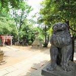 為什麼廟前要放石獅?其實在日本每個神明也有專屬的守護差使