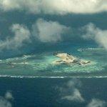 BBC記者飛近南海「中國新島礁」中國海軍驅逐、威脅、警告