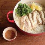 只要一只鍋子,就能煮出最美味海南雞飯!半小時就能開動的超懶人食譜
