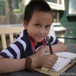 荷蘭爸媽很少看小孩寫功課!寒假作業由老師全權決定,不是市長一句話說了算