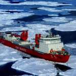 差點變成南極鐵達尼!中國極地考察船「雪龍號」撞冰山 南韓破冰船「ARAON號」神救援