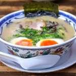 日本博多拉麵=濃郁、乳白、豚骨湯底!加麵時,注意桌上有沒有擺放這一味