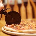 不用再挑大片小片了,數學家教你怎麼切披薩最公平!