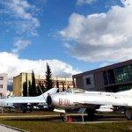 8572美元起標 阿爾巴尼亞擬拍賣前蘇聯和中國軍機