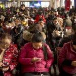 最後一次擠春運》中國產業轉型 越來越多移工「永遠回家」