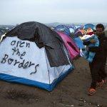 不滿遭歐盟排擠》希臘召回駐奧地利大使 7萬難民困城無處去