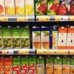 糖太多了!美國小兒科學會:週歲以下幼兒禁喝果汁,過了1歲睡前也別喝