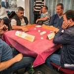 土耳其人也愛摸八圈?牌桌打的四方牌,源自1930年和中國麻將有何關聯?