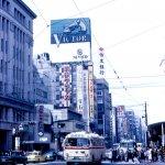 日本街景不是天生麗質,50年前招牌林立跟台灣差不多!都更長跑脫胎換骨