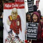 抗議達賴喇嘛的佛教組織「雄登」解散