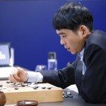 圍棋人機大戰第4戰 人類終於贏得首勝 李世乭「神之一手」擊敗AlphaGo