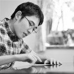 小孩在餐廳尖叫,就是沒家教?他的文字讓10萬日本人懺悔:我們誤會了自閉症!