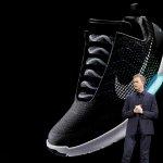 不用動手綁鞋帶了!NIKE自動繫帶球鞋年底開賣 只售Nike+ App用戶